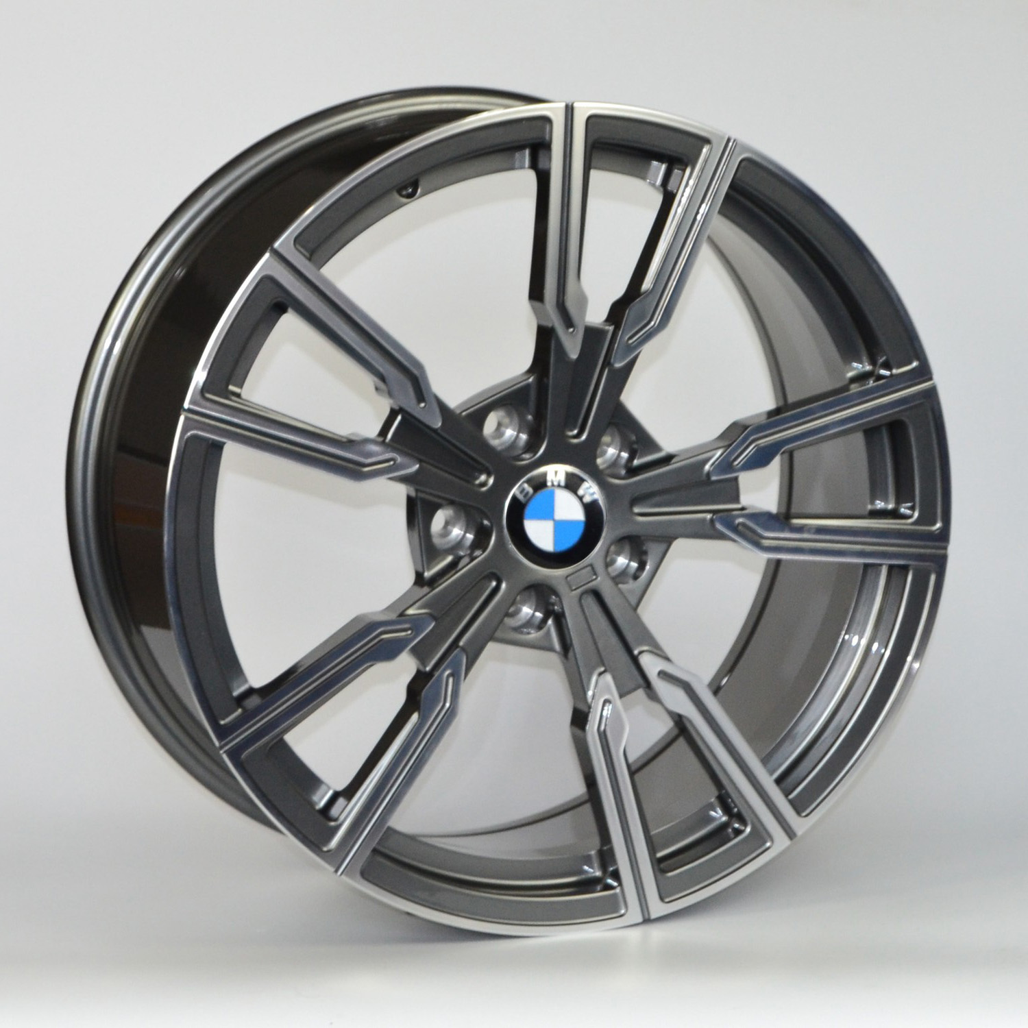 DM112 19x8.5 19x9.5 Gunmetal BMW 01